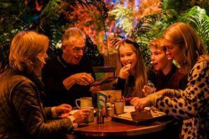 Treetop Adventure Golf family eating